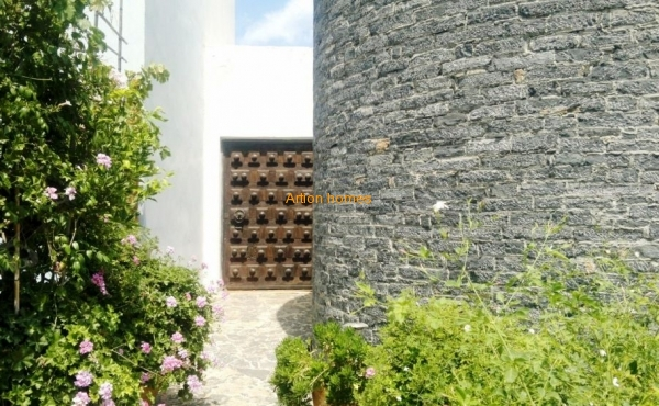 Уникальная недвижимость: огромное поместье между ДеЛюкс курортами