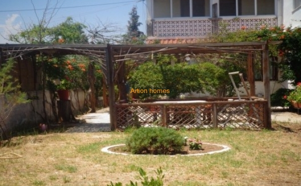 Detached house in Marathon Beach - location Rizari
