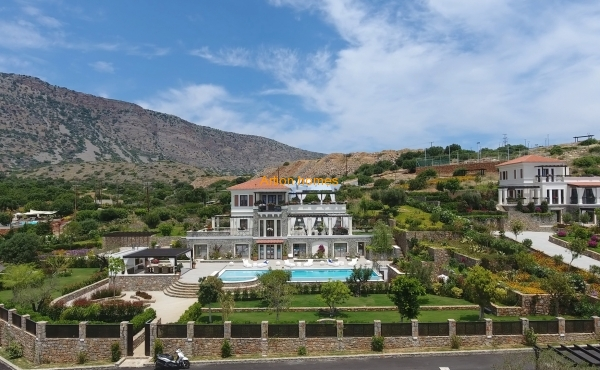 Gorgeous Villa in Elounda Crete